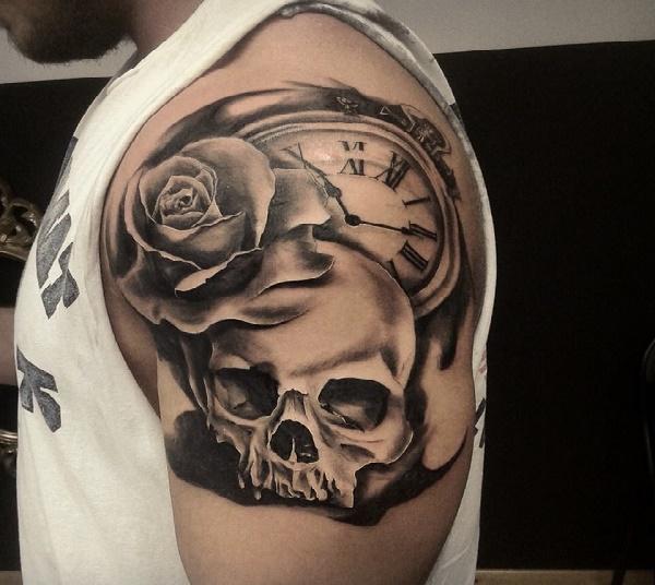 calavera-tatuajes-barbastro-barbaro-ink-sept2014-calavera-reloj1
