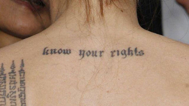 Los-tatuajes-de-Angelina-Jolie