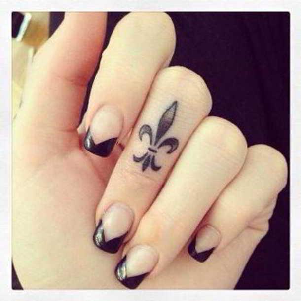 Tres diseños de tatuajes para los dedos - 2